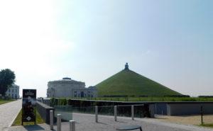 Ватерлоо - вид на здание панорамы и холм Льва