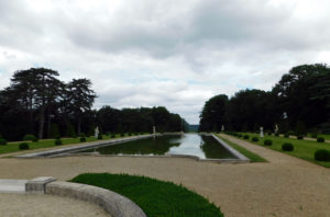 парк в замке Бретей