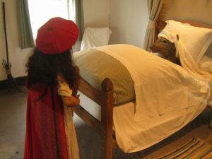 Красная шапочка в замке Бретей